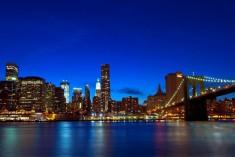 ブルックリン橋、ニューヨーク市、アメリカ合衆国-485x728